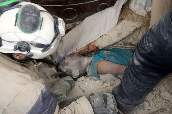 aleppo-air-strikes-dead-babies.jpg